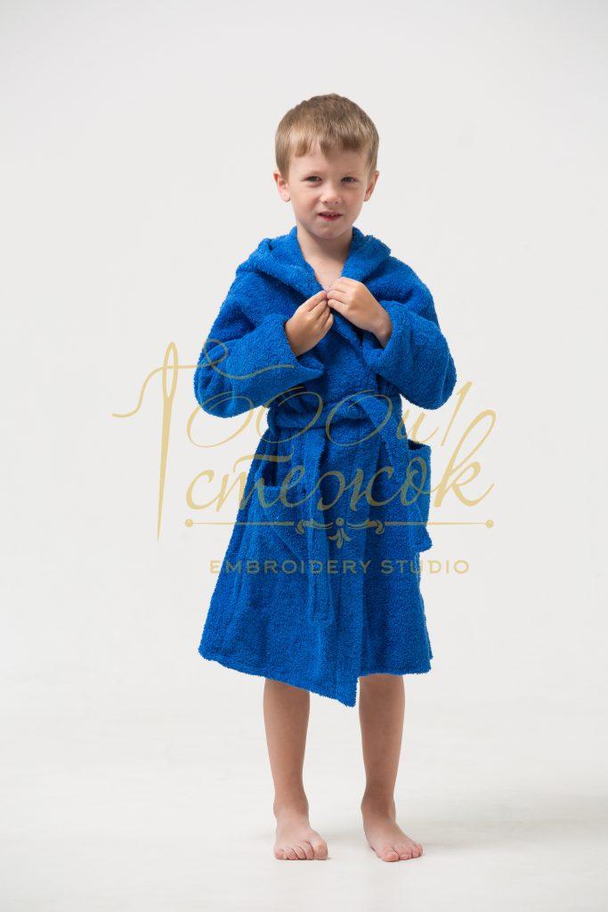 Детский халат с капюшоном категории «Стандарт» с именной вышивкой (Синий)